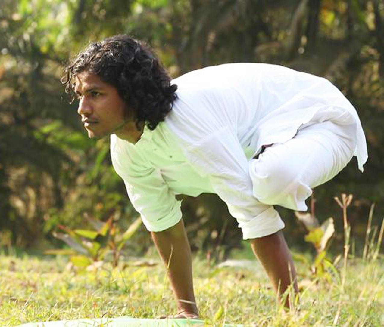 Yoga Teacher Yogi Sanket