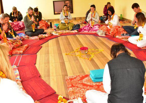 மந்திர யோகா | மந்திரா தியானம்
